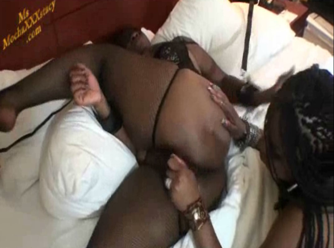MsMocchaxxxstacy dominates and eats Nikita Blue pussy girl on girl bdsm